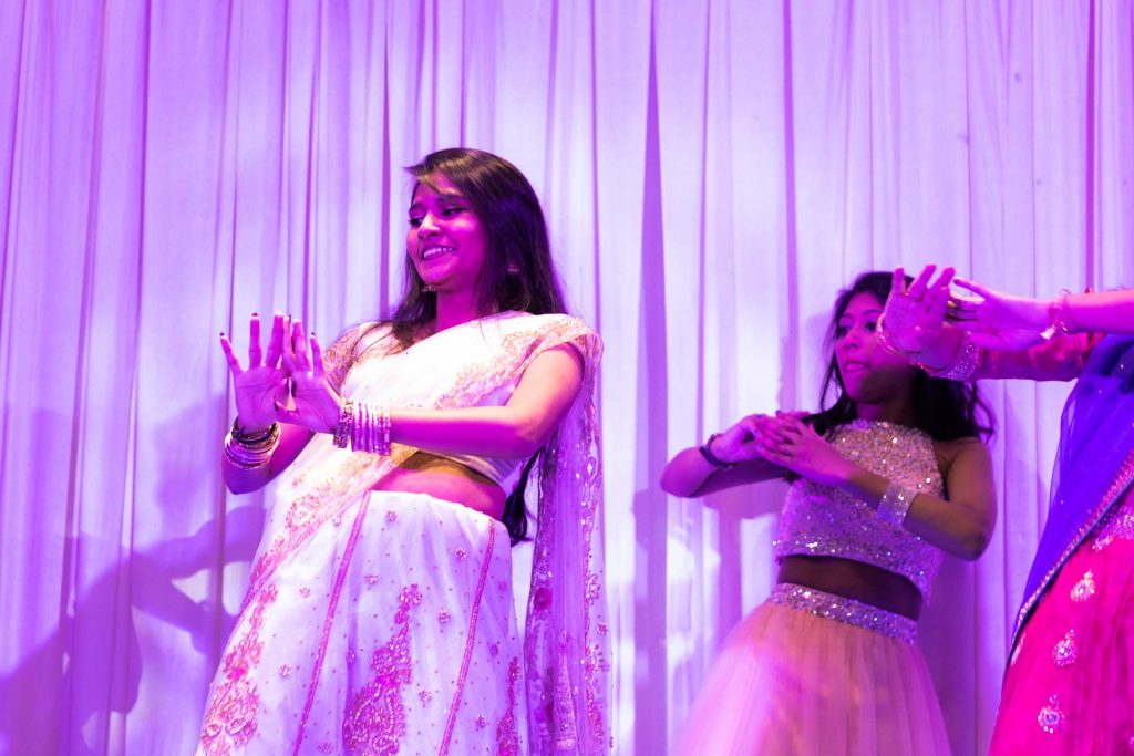 A dance performance at a wedding, wedding photography by Singapore photographer Shilton Tan.